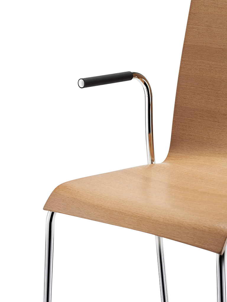 aticon | with softgrip armrests